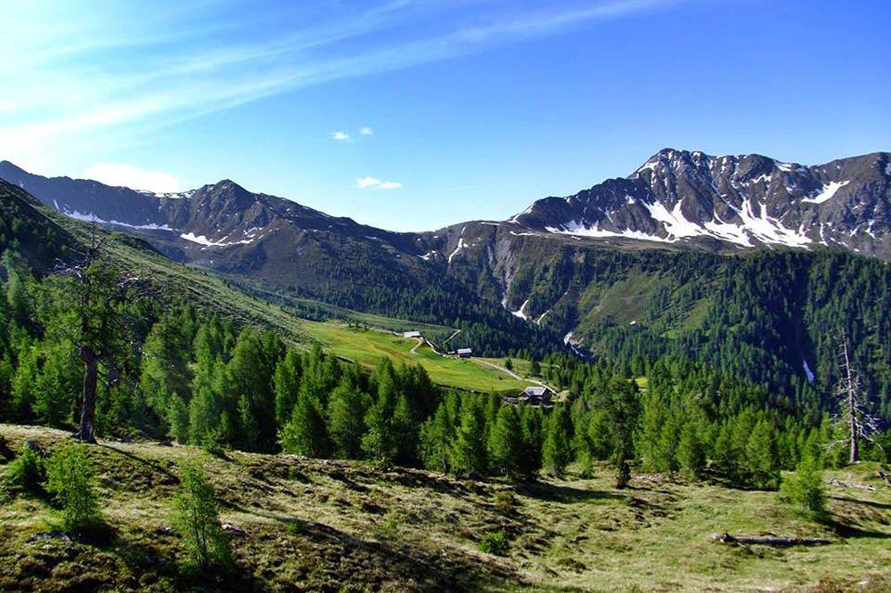 Hörneckele (Cornetta) e Almweg 2000 con vista sulle Dolomiti